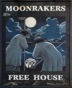 moonrakers-pewsey-sign